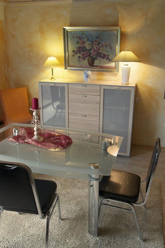 essecke wohnzimmer essecke wohnzimmer wohnzimmer mit essecke und mit gemauerten kamin. Black Bedroom Furniture Sets. Home Design Ideas